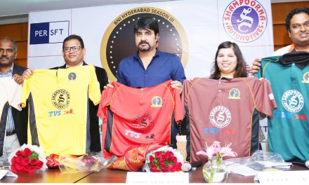 Tollywood Hero Srikanth unveils the 'TVS Shampoorna Bharath Shah Cricket Trophy 2018'!