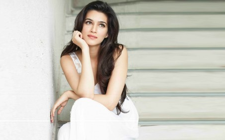 Kriti Sanon Biography | Age, Height, Weight, Movies, Photos and Awards
