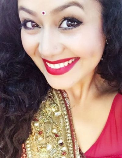 neha-kakkar-hot-smile-selfie